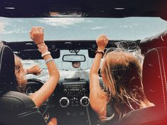 dm for original photo credit :) Best Friend Goals, My Best Friend, Best Friends, Best Friend Pictures, Bff Pictures, Summer Goals, Happy Vibes, Summer Aesthetic, Jeep Life