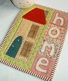 The Patchsmith: What is a Mug Rug