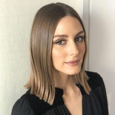 Whatever Olivia Palermo wears, everyone takes notice. Here's how you can re-create the new Olivia Palermo hair color using Oway. Hair Color 2018, Hair Color Pink, Pink Hair, Celebrity Hairstyles, Braided Hairstyles, Lob Hairstyle, Olivia Palermo Hair, Hair Color Guide, Celebrity Hair Colors