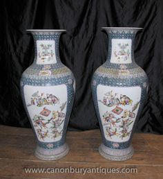 Pair Chinese Canton Ming Porcelain Urns Vases Hand Painted