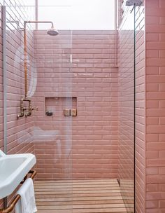15 AMAZING PINK TILED BATHROOMS