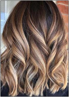 Just see here and pick one of the best styles of balayage colored lob cuts. Choose this amazing blend of balayage hair color just to make you looks more adorable and interesting in year Blonde Ombre Hair, Blonde Hair Looks, Brown Ombre Hair, Brown Hair Balayage, Brown Hair With Highlights, Ombre Hair Color, Light Brown Hair, Hair Color Balayage, Brown Hair Colors