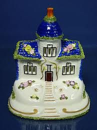 I love Coalport cottages and I'm lucky to have my own collection