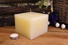 Κεριά μασίφ τετράγωνα σε χρώμα εκρού ΤΧ1310ΧΕΚ. Πλευρά: 13εκ. Ύψος: 10εκ. Pillar Candles, Taper Candles