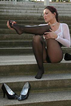 female shrunk pantyhose story centimeter