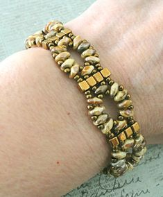 Linda's Crafty Inspirations: Bracelet of the Day: Twin Cube Band - Chalk Rembrandt