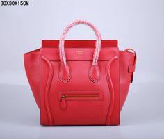SAC CELINE LUGGAGE MINI ROUGE BORD NOIR 1.Marque  : celine 2.Style  : celine Luggage Mini 3.couleurs :  rouge bord noir 4.Matériel : Importer en cuir d'origine 5.Taille: W30 x H15 x D30 cm Celine Luggage, Luggage Bags, Mini, Handbags, Style, Celine Bag, Colors, Red, Leather