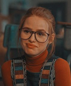 Cheryl Blossom Riverdale Cheryl Blossom Aesthetic, Riverdale Poster, Archie Comics Riverdale, Marvel Dc Movies, Cheryl Blossom Riverdale, I Dont Fit In, Riverdale Cast, Riverdale Memes, Netflix