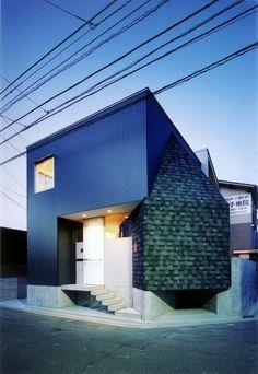 지진이나 홍수, 산사태가 자주 일어나는 지역에 세워지는 건물은 일반 지역보다 더욱 특별한 설계와 구조를 필요…