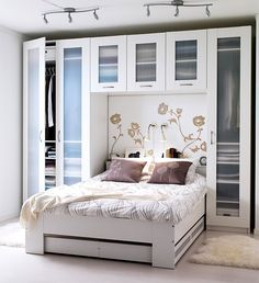 The ideas presented in this article will be of great use while you are preparing to decorate a master bedroom, especially if you have a small master bedroom. There are multitudes of ways to make a small master bedroom look… Continue Reading → Bedroom Storage Ideas For Clothes, Small Bedroom Storage, Small Master Bedroom, Master Bedroom Makeover, Closet Ideas, Master Suite, Ikea Small Bedroom, Bedding Storage, Master Room