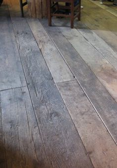 Barn Wood Floor. I might like this better than tile for the kitchen. Hmmm. ;)