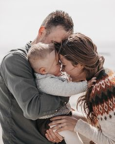 Om ikke mange minuttene får denne fine familien bildene sine levert🤩🧡 Om, Couple Photos, Couples, Couple Shots, Couple Photography, Couple, Couple Pictures