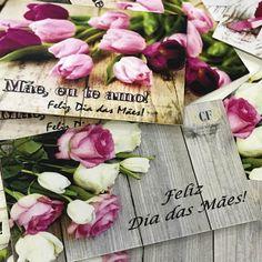 """28 curtidas, 1 comentários - Casa Das Flores (@casadasflores) no Instagram: """"Nossos cartões acompanham os arranjos florais para as mamães... eles estão lindosssss!!!! Um mimo…"""""""