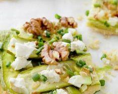 Quiche Croq'Kilos à la courgette, noix et feta : http://www.fourchette-et-bikini.fr/recettes/recettes-minceur/quiche-croqkilos-la-courgette-noix-et-feta.html
