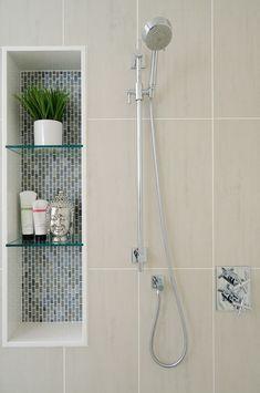 How To Build A Recessed Shower Niche With Glass Shelf - Home Deseign Ideas Como construir um nicho d Recessed Shelves, Small Bathroom Decor, Bathroom Decor, Glass Shelves, Bathroom Remodel Shower, Shower Niche, Bathroom Design Luxury, Bathroom Design Small, Glass Shelves In Bathroom