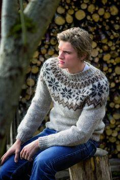 Bilderesultat for islandsgenser Sweater Cardigan, Men Sweater, Bindi, Beanie, Pullover, Knitting, Vests, Sweaters, Fashion