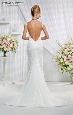 5a8cb496d5c98 22 Best Gowns For Girls With Curves images | Alon livne wedding ...