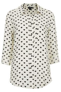 Topshop cream and black diamond print blouse Topshop cream and black diamond print blouse petite Topshop Tops Blouses Topshop Tops, Printed Blouse, Printed Shirts, Topshop Maternity, Maternity Tops, Cream Shirt, Heart Shirt, Long Sleeve Tops, How To Wear