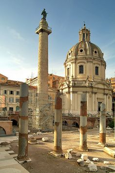 The spirit of Rome! Trajan's column and Forum. #italy #archaeology