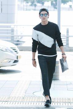just wanna tell you take care . Park Hyung Sik, Korean Men, Cute Korean, Strong Girls, Strong Women, Asian Boys, Asian Men, Asian Actors, Korean Actors