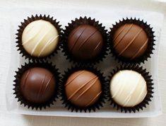 MontanaRosePainter Dark Chocolate Truffles, I Love Chocolate, Chocolate Lovers, Chocolate Recipes, Chocolate Pictures, Chocolate Chocolate, Chocolate Heaven, Chocolate Factory, Delicious Chocolate