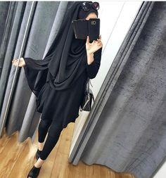 I'll stop wearing black when they invent a darker colour - Wednesday Addams Batwing top Niqab Fashion, Muslim Fashion, Modest Fashion, Style Fashion, Hijabi Girl, Girl Hijab, Stylish Girls Photos, Stylish Girl Pic, Hijab Hipster