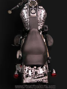 The Sharpie Harley Davidson by Pinstripe Chris. This is the opposite of a typical Sharpie job- this is Silver Metallic Sharpie on a Black bike Motorcycle Tank, Sharpie Art, Cool Motorcycles, Pinstriping, Custom Paint, Sling Backpack, Harley Davidson, Bike, Tanks