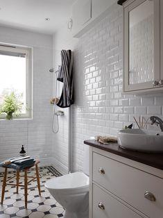 Bathroom Inspo, Bathroom Inspiration, Interior Design Inspiration, Dream Bathrooms, Beautiful Bathrooms, Small Bathroom, Home Interior, Bathroom Interior, Bad Inspiration