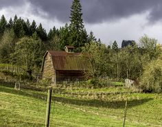 Barn on a Dundee Road by Sherry Levasseur on 500px