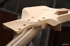 Padalka Guitars Saturn neck joint