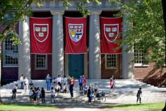 Harvard Medical Student Discovers Harvard Students, Medical Students, Medical School, Law School, Jorge Paulo Lemann, Mba Degree, Slow Metabolism, E Learning, College Admission