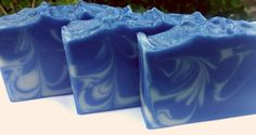 Starry Night Soap is a deliciously fragrant warm blend of black cherry with touches of orange, almond and cinnamon.  A navy blue colored base is