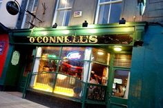 O'Connell's, Eyre Square, Galway:  One of the best pints of Guinness in Galway