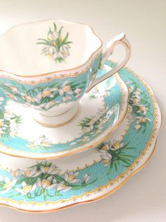 Vintage English Queen Anne Fine Bone China Tea Cup and Saucers