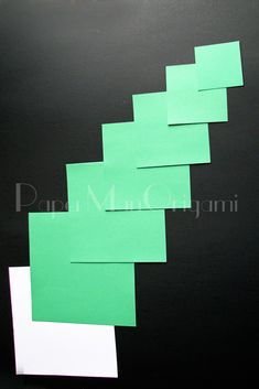 Christmas Tree Origami Step by Step Photos Origami Paper Art, Origami Folding, 3d Origami, Paper Crafts, Origami Christmas Tree, Christmas Crafts, Christmas Ornaments, Christmas Ideas, Origami Guide