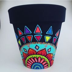 Painting Flower Pots Mandala 18 Ideas For 2019 Flower Pot Art, Flower Pot Design, Flower Pot Crafts, Clay Pot Crafts, Crafts To Make, Painted Plant Pots, Painted Flower Pots, Pots D'argile, Clay Pots
