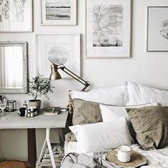 Morning ✨ But first coffee ✨ Dzisiaj można wreszcie popracować a i nogi odpoczną ;-) ale najpierw ☕️ pięknego dnia dla Was ✨ . All prints available in my store ✔️ . #morninginbed #morning #bedroom #bedroomvibes #bedroomview #bedroomdecor #art #artsy #prints #interirordesign #interiordecor #linenn #naturehouse