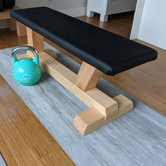 Home gym bench, made with reclaimed /recycled materials : woodworking Home Made Gym, Diy Home Gym, Gym Room At Home, Home Gym Set, Home Gym Bench, Home Gym Garage, Diy Gym Equipment, No Equipment Workout, Wood Projects