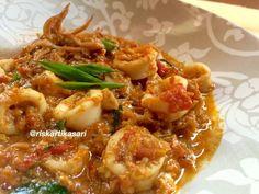 Cumi Saus Padang Seafood Recipes, Dinner Recipes, Cooking Recipes, My Favorite Food, Favorite Recipes, Indonesian Cuisine, Indonesian Recipes, Good Food, Yummy Food