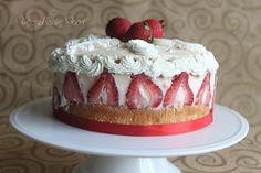 French Strawberry Fraisier for daring bakers!
