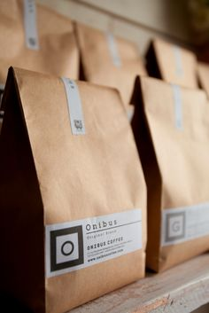 Coffee Beans's Label Design \/ Onibus Coffee \/ Photo by Katsuhiro Aoki Bakery Packaging, Food Packaging Design, Coffee Packaging, Brand Packaging, Coffee Labels, My Coffee Shop, Coffee Shop Design, House Coffee, Coffee Logo