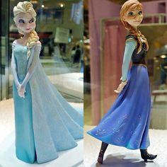 statuine di Frozen dalla collezione Disney ♥ statues from the Disney Collection (not icing, they are not edible and they aren't made by me) Frozen Birthday Theme, Elsa Birthday, Frozen Theme, Frozen Party, Torte Frozen, Disney Statues, Elsa Cakes, Girl D, Frozen Costume