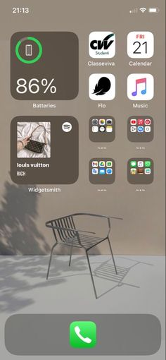 Iphone Home Screen Layout, Iphone Layout, Ios, Iphone App Design, Homescreen, Declutter, Helpful Hints, Organization, Relax