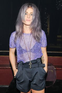 Kelly Osbourne...ignoring the hair obviously..but she looks fab!