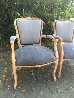 Lodewijk stoel vintage stof, hout afgewerkt met olie. @Oudisnieuw