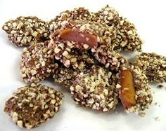 Talk about a mouthful! Rich, buttery, crunchy toffee covered in milk chocolate and rolled in fresh chopped California almonds. Tasty Indian Recipe, Indian Dessert Recipes, Candy Recipes, Gourmet Recipes, Holiday Recipes, Almond Roca, Almond Butter, Toffee, California Almonds