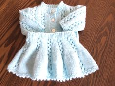 Aqua Skirt and Sweater Set von StitchesbyMarlene auf Etsy
