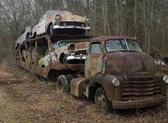 Whole car hauler abandoned!                                                                                                                                                                                 Más
