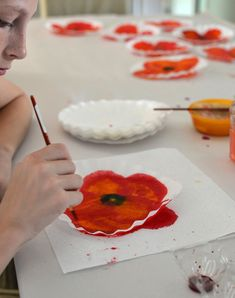 Make vibrant poppy art with coffee filters and liquid watercolor. Coffee Filter Art, Coffee Filters, Art Videos For Kids, Art For Kids, Poppy Craft For Kids, Remembrance Day Art, Liquid Watercolor, Watercolour Art, Coffee Crafts