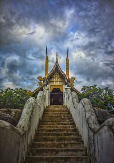Temples in Thailand from #treyratcliff at www.StuckInCustoms.com - all images Creative Commons Noncommercial.
